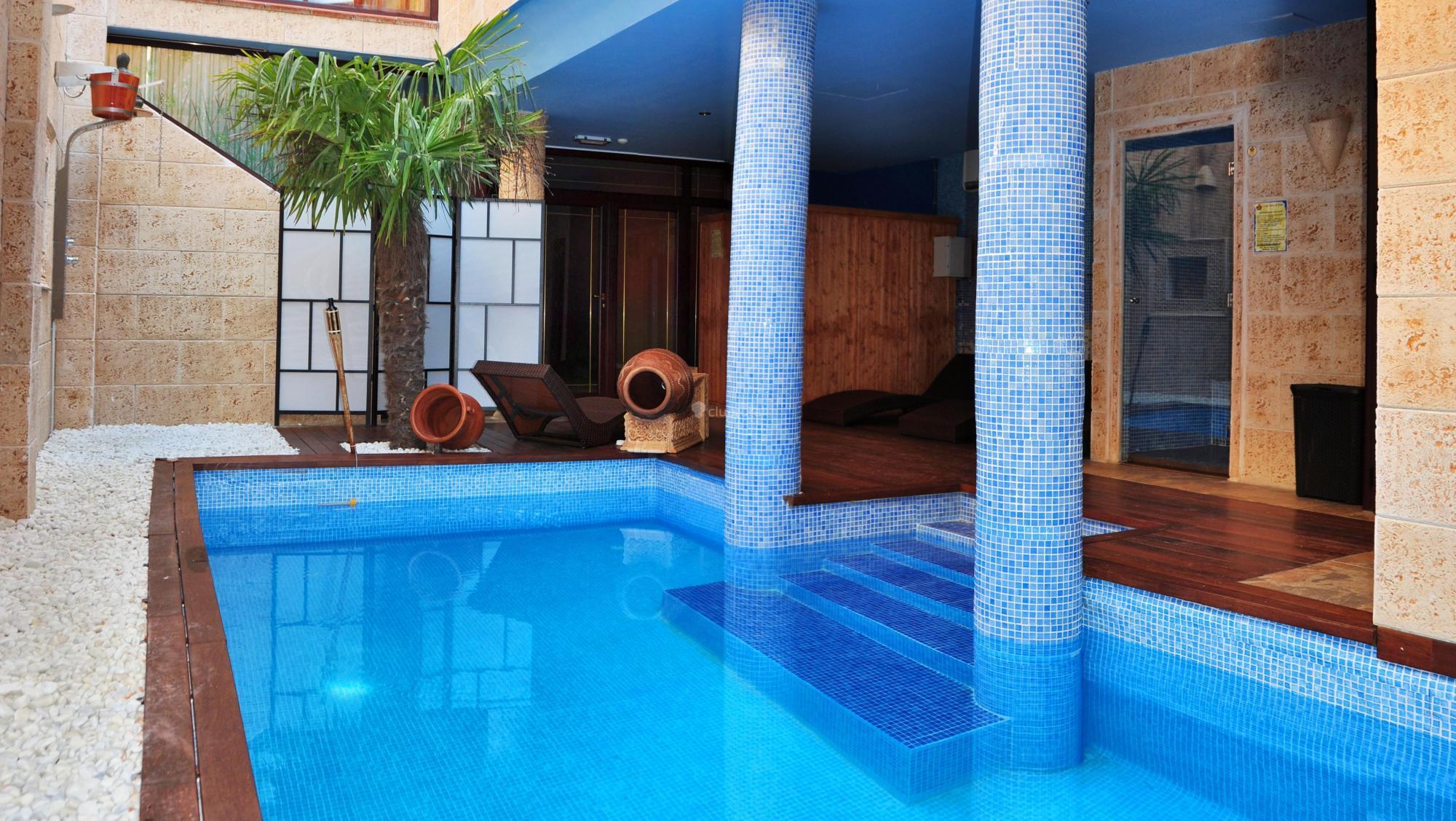 Fotos de casa spa la villa vila villanueva del for Casa rural avila piscina