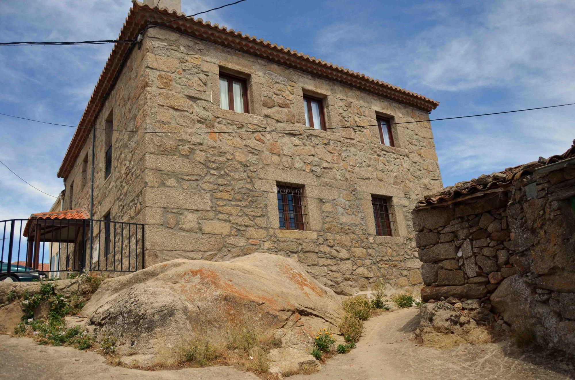 Fotos de el castillo de el mir n vila el miron clubrural - Casa rural el castillo ...