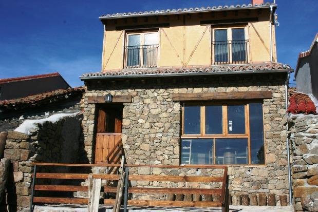 Fotos de casa rural la leyenda de gredos vila arenas - Casas rurales en avila baratas ...