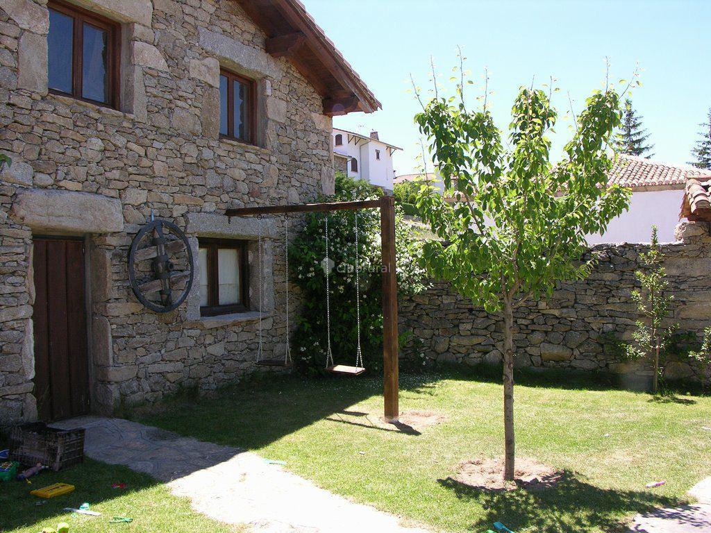 Fotos de la ermita de gredos vila navarredonda de for Casa rural gredos