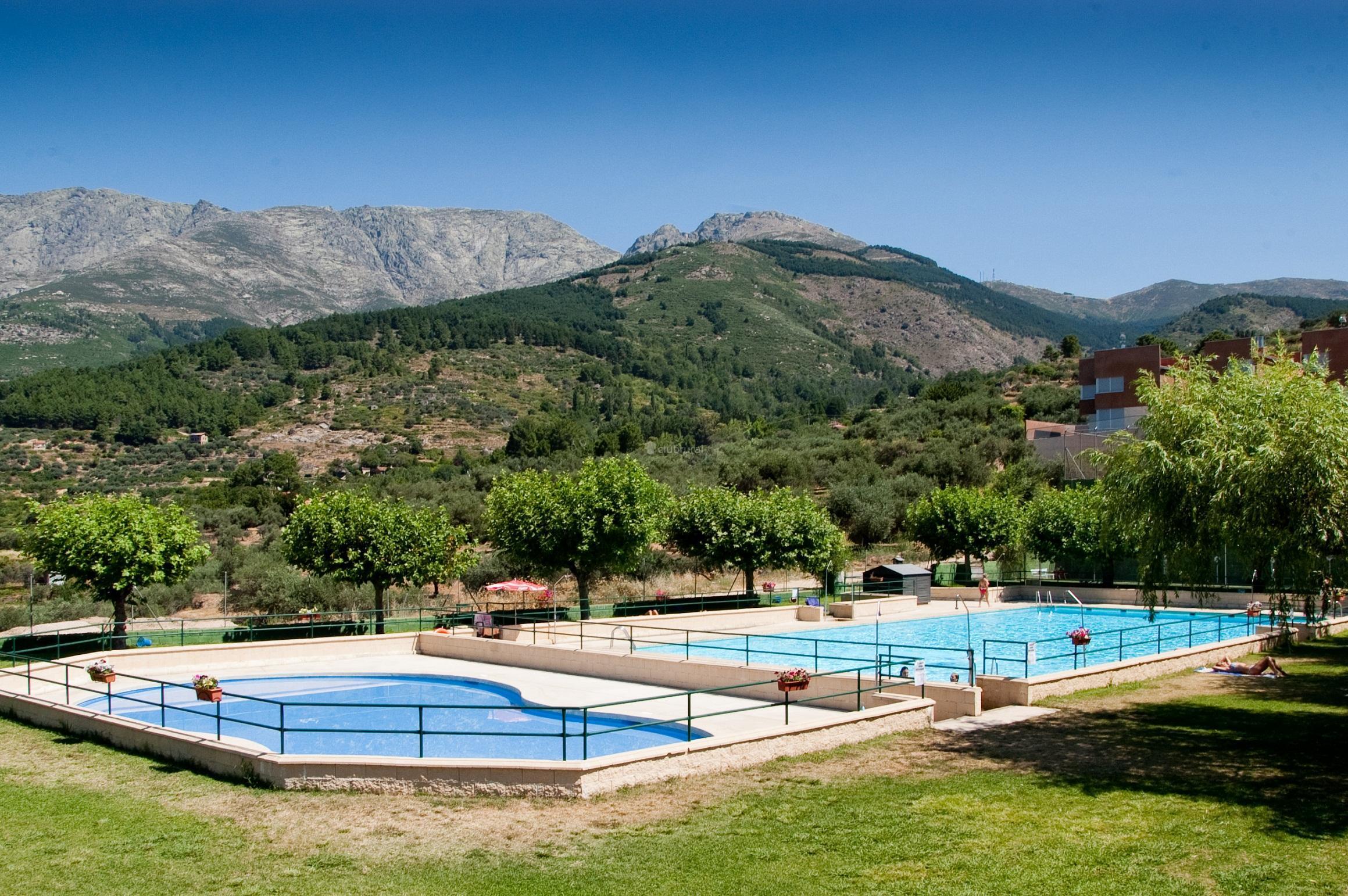 Fotos de sur de gredos i ii y iii vila san esteban for Piscina municipal la roca del valles
