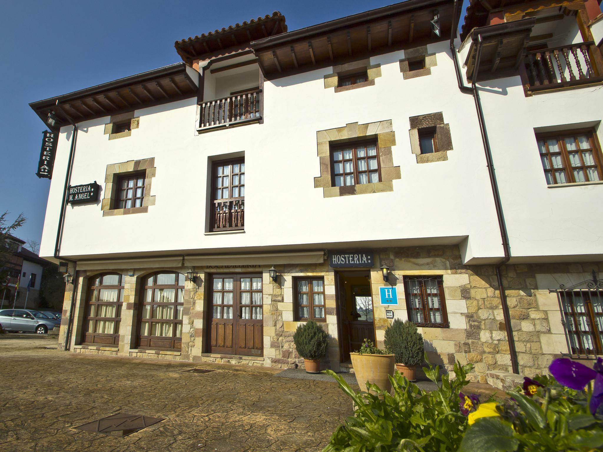 Fotos de hoster a miguel ngel cantabria santillana - Miguel angel casas ...