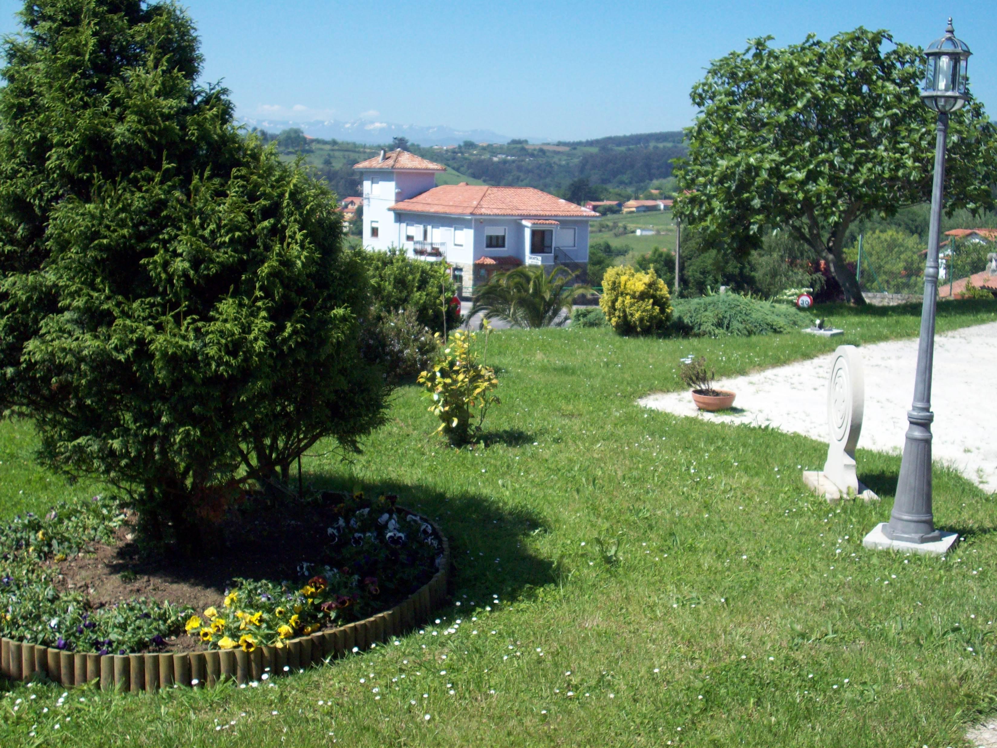 Fotos de posada el jardin cantabria santillana del mar for Posada el jardin santillana del mar