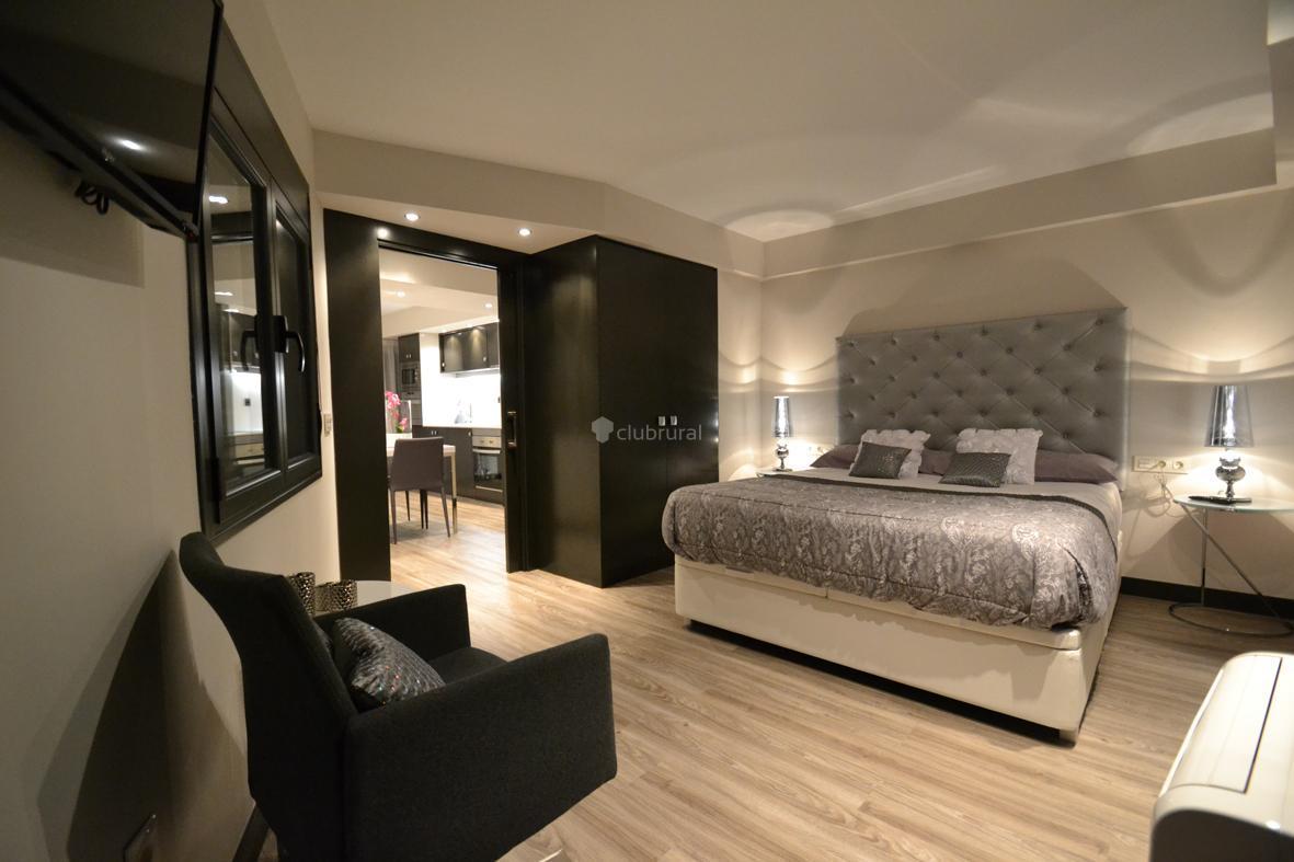 Fotos de apartamentos rojo y naranja castell n morella - Fotos de habitaciones de lujo ...