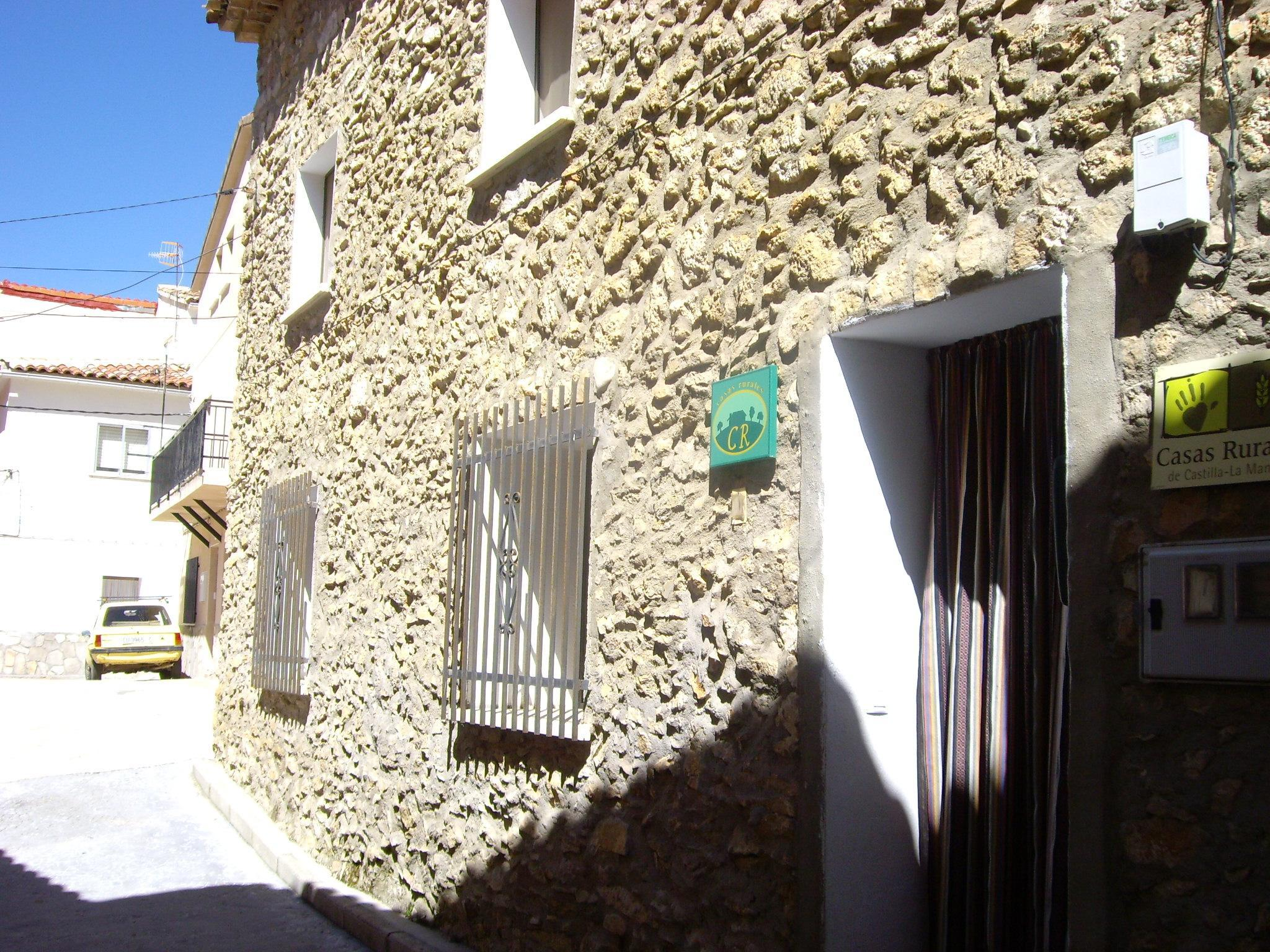 Fotos de casa rural molino de papel cuenca molinos de for Casa rural priego cuenca