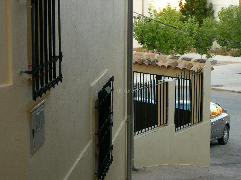 Fotos de la casa de las parrillas cuenca ribagorda for Imagenes de parrilla para casa
