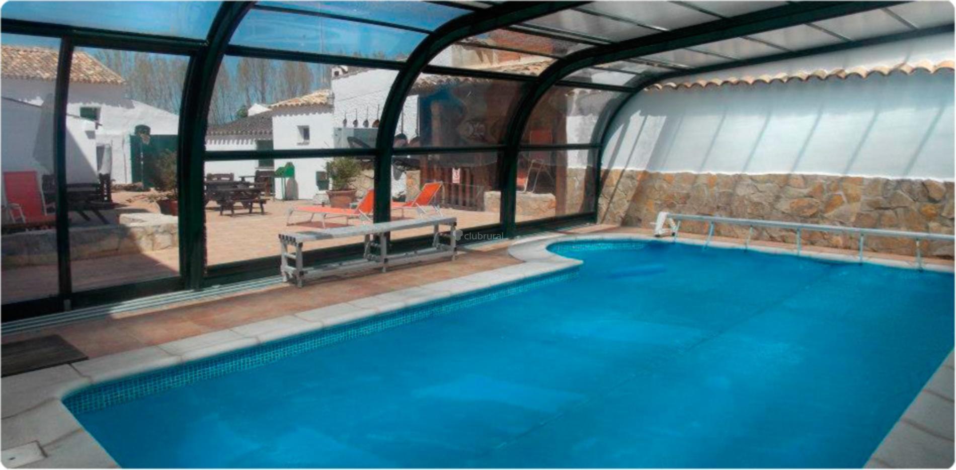 Casas rurales con piscina climatizada clubrural tattoo for Piscina climatizada