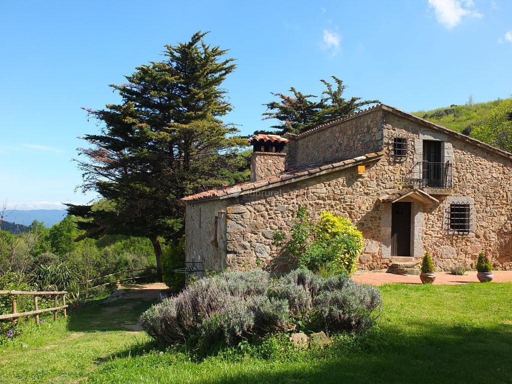 Fotos de fontdellops girona arbucies clubrural for Casa rural montseny