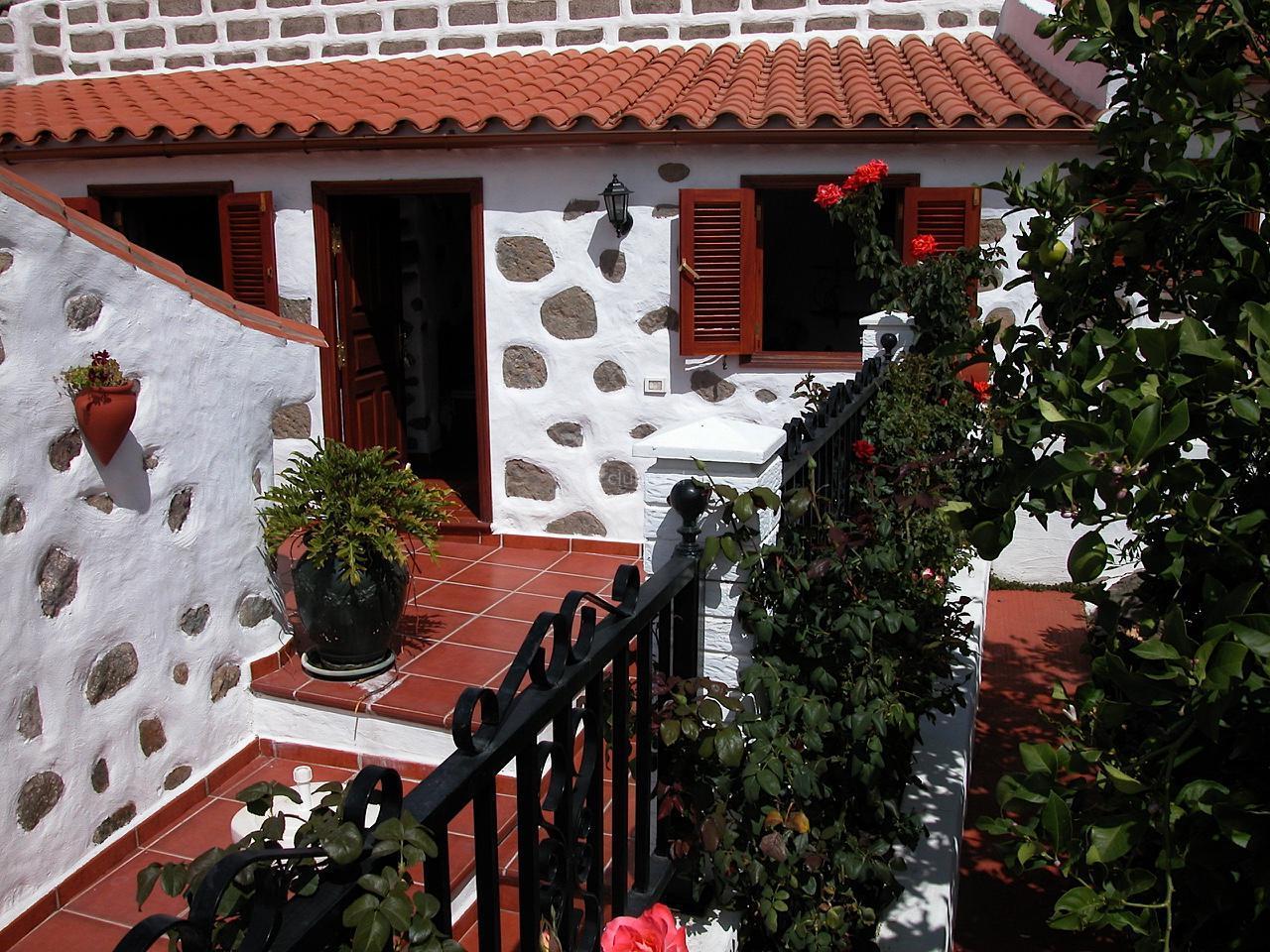 Fotos de casa bentayga gran canaria tejeda clubrural for Jardines de casas rurales