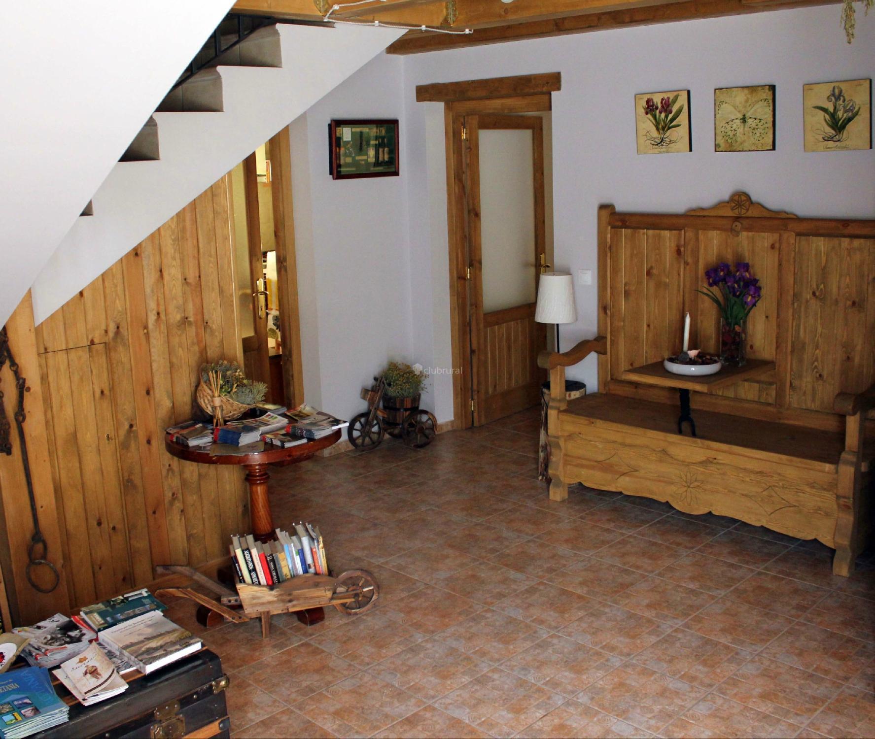 Fotos de casa rural porta a huesca aragu s del solano clubrural - Casa rural huesca jacuzzi ...