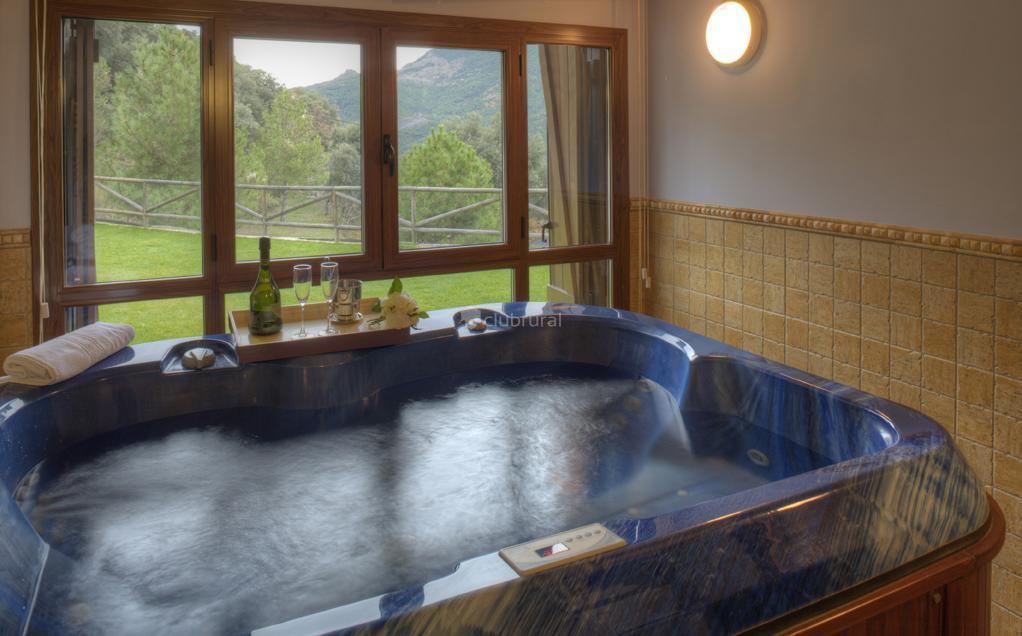 Fotos de casas rurales ordesa huesca belsierre clubrural - Casa rural piscina interior ...