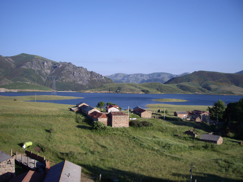 Fotos de la terraza del valle le n villamanin clubrural - Casa rural valle del tietar ...