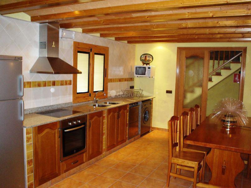 Fotos de casa rural fustagueras lleida vallferosa clubrural - Cocinas casas rurales ...
