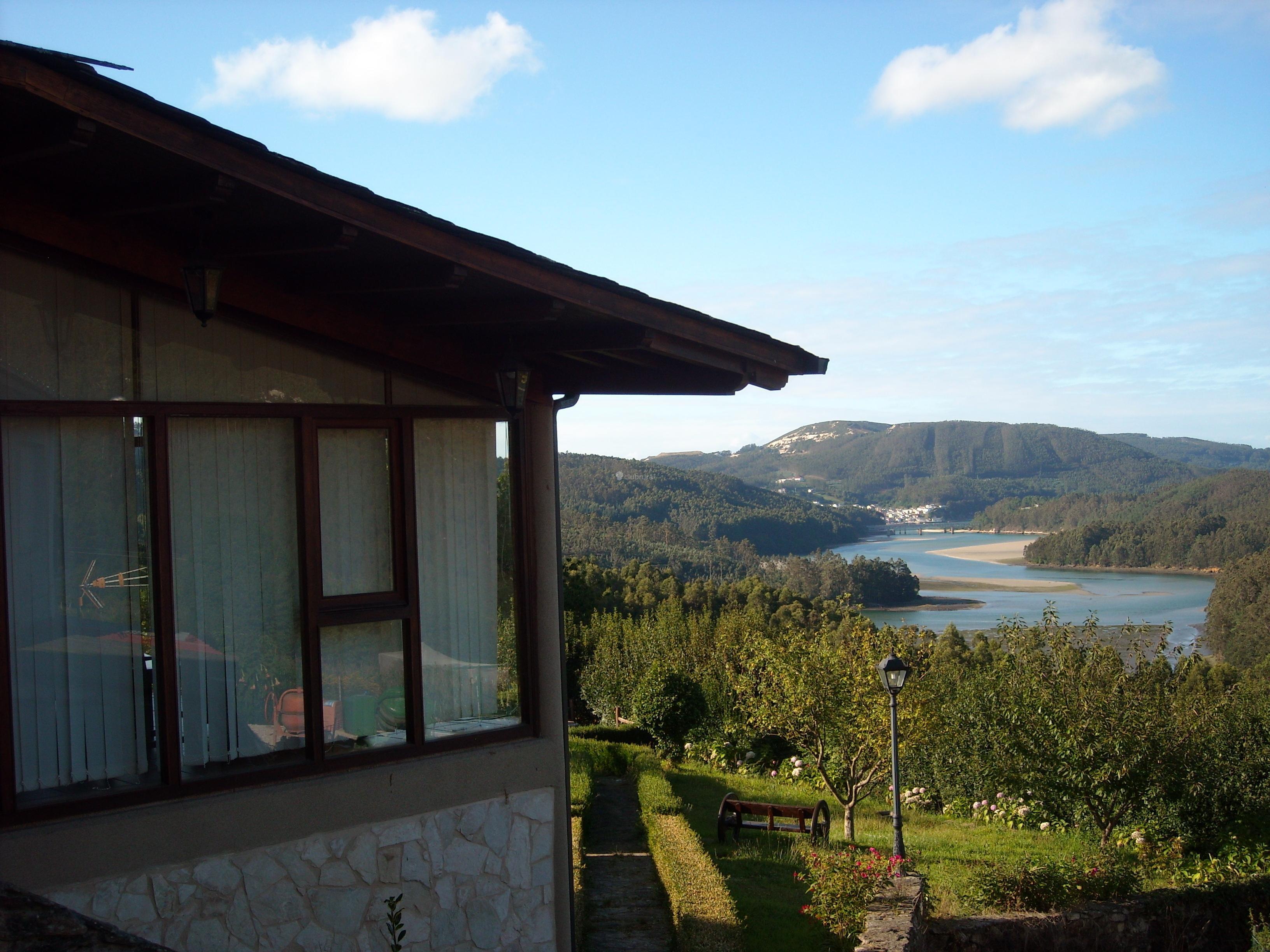 Fotos de casa lamelas lugo o vicedo clubrural for Casa rural lugo piscina