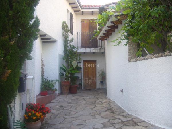 Fotos de casa valmores madrid olmeda de las fuentes for Olmeda de las fuentes casas