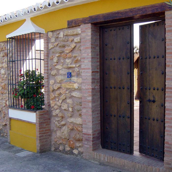 Fotos de cortijo laguna de espejo m laga ronda clubrural for Puertas de madera malaga