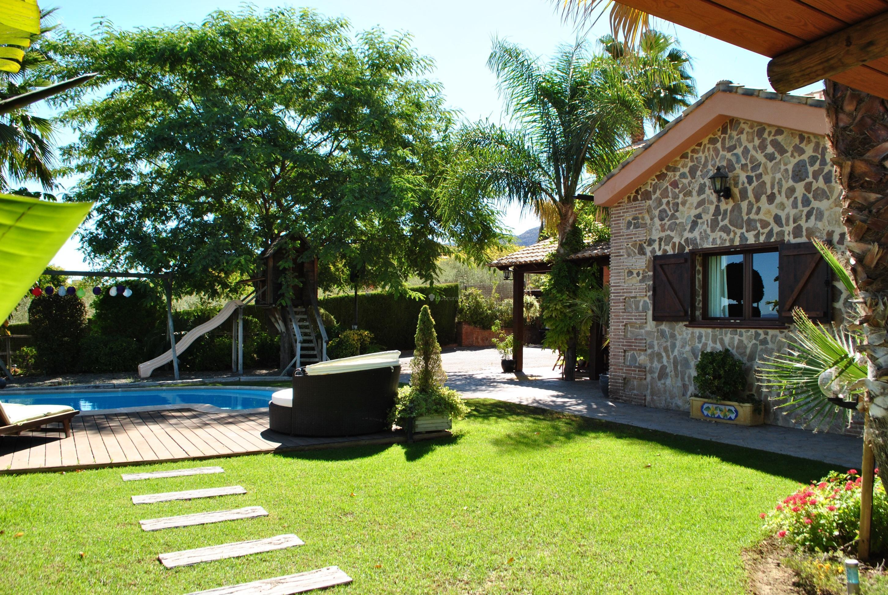 Fotos de villa llanos de la plata m laga alhaurin de for Casa jardin de la plata