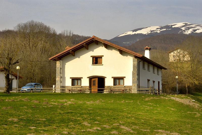 Fotos de borda lenco navarra zilbeti clubrural - Casa rural colmenar de oreja ...