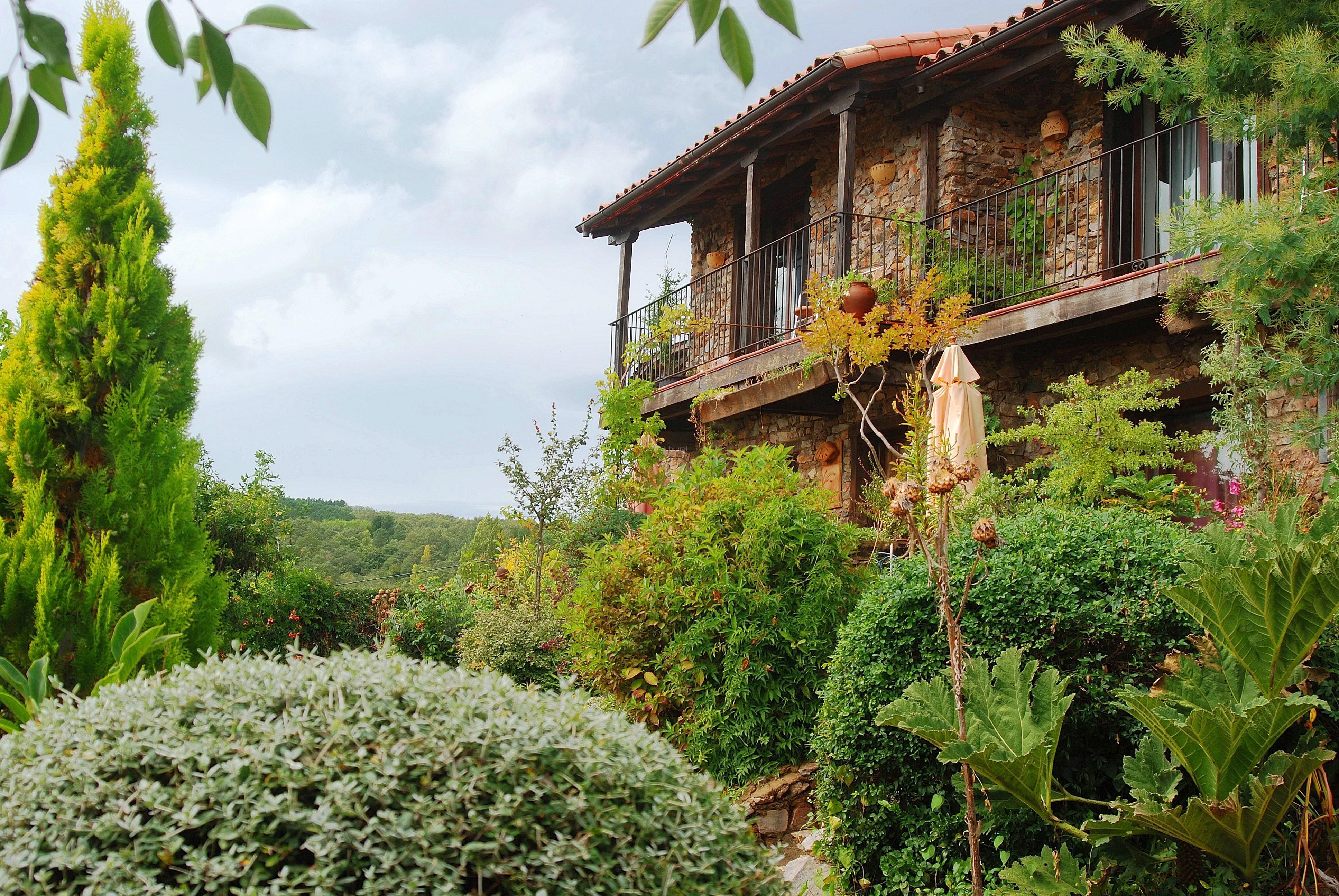Fotos de jardines del robledo salamanca san miguel del robledo clubrural - Jardines del robledo ...