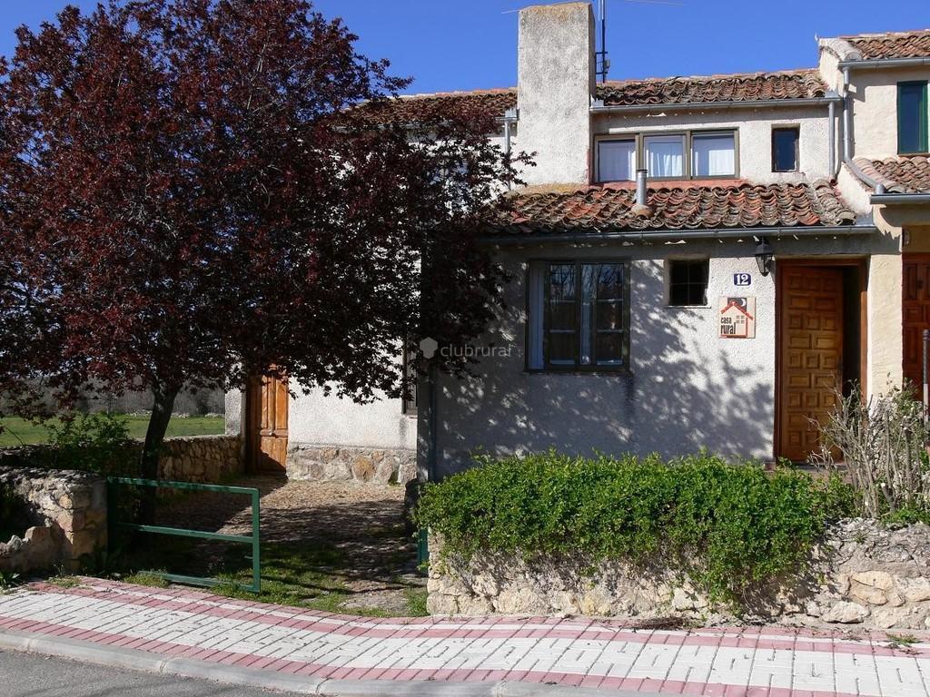 Fotos de casa adrian segovia torrecaballeros clubrural - Apartamentos rurales segovia ...