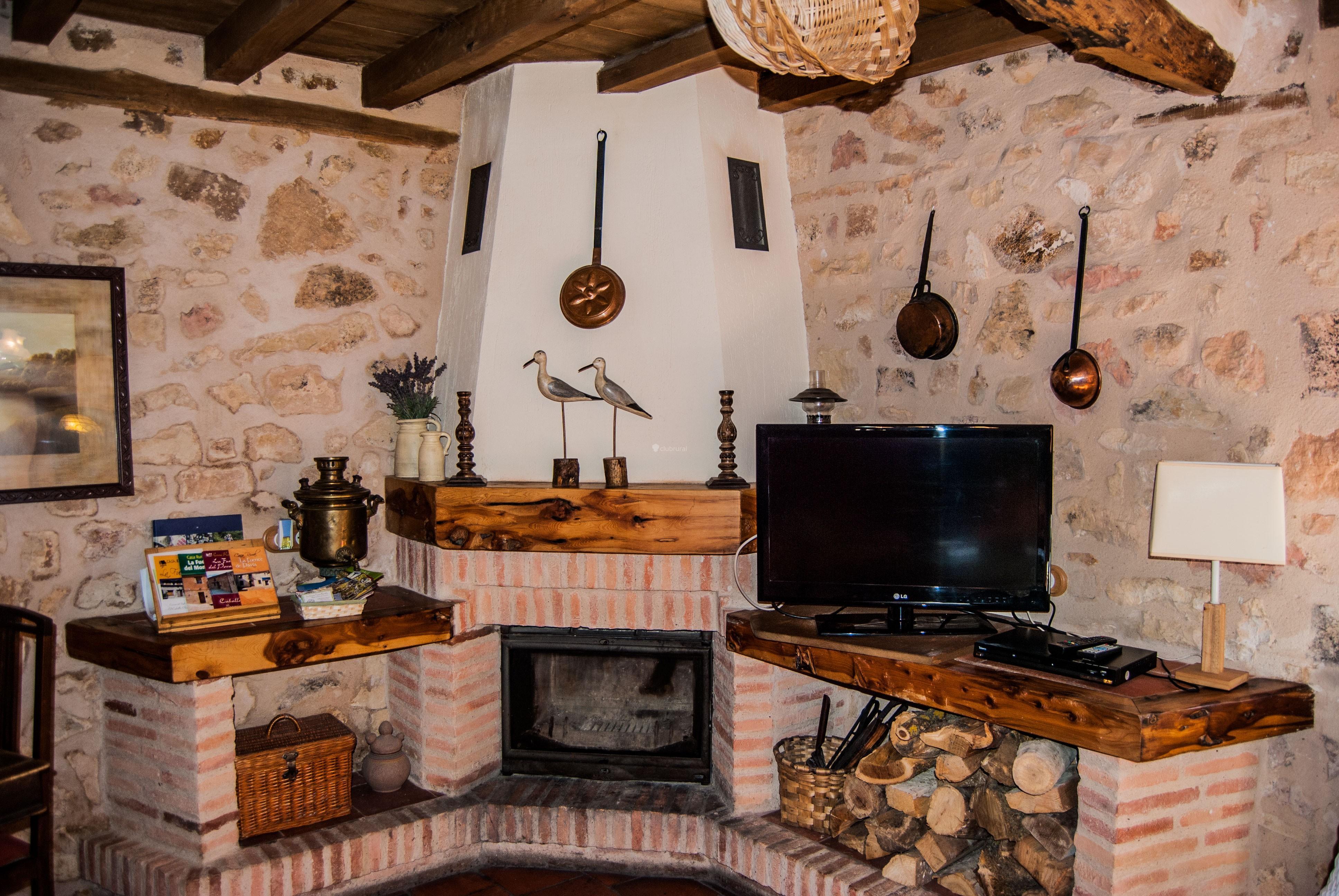 Fotos de la fuente del poval segovia caballar clubrural - Casas rurales con chimenea para dos personas ...