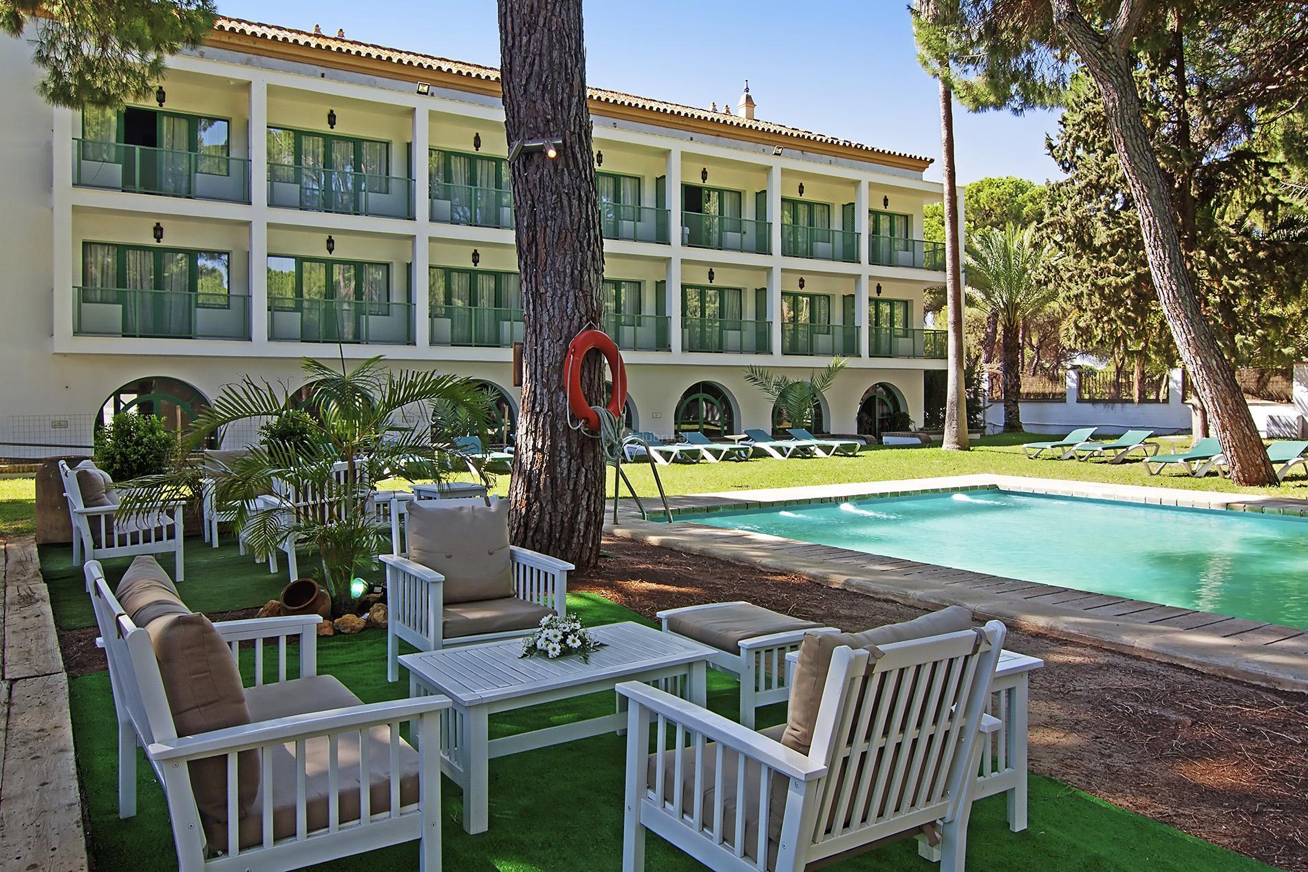 Fotos de hotel oromana sevilla alcala de guadaira for Piscina alcala de guadaira