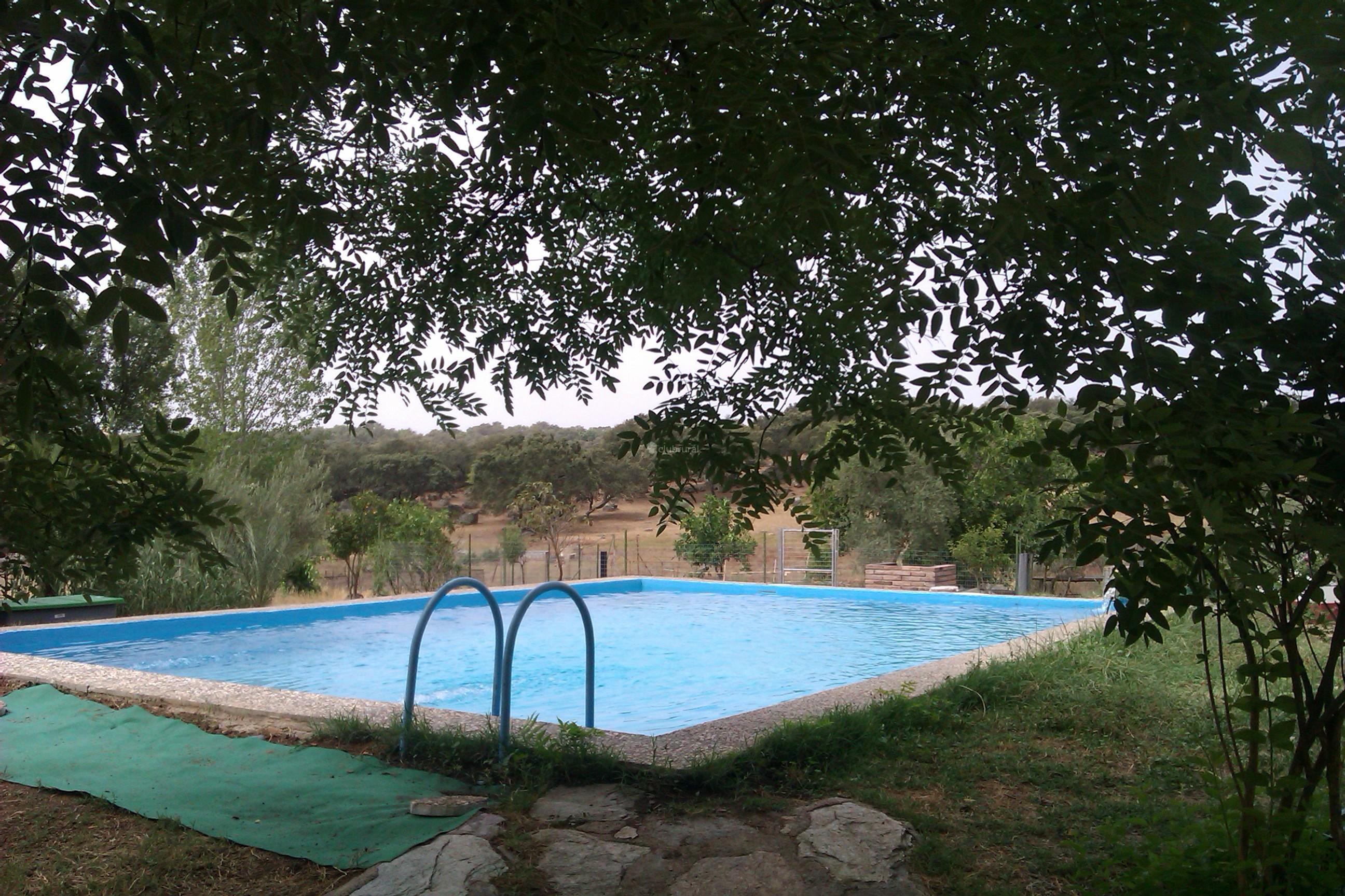 Fotos de huerta de los sevillanos sevilla el pedroso for Casa rural sevilla piscina