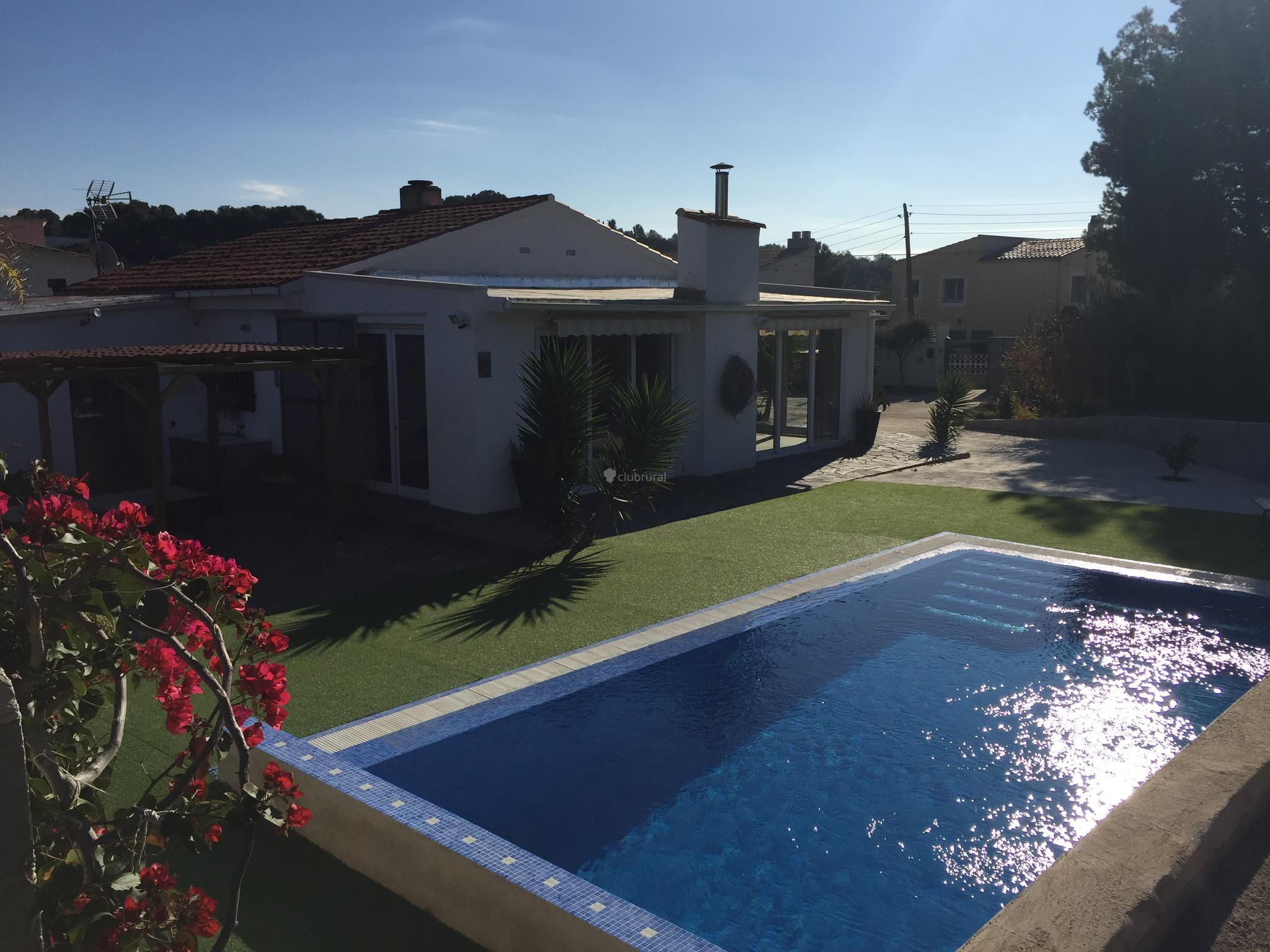 Fotos de casa dorada tarragona vespella de gaia for Casa rural tarragona