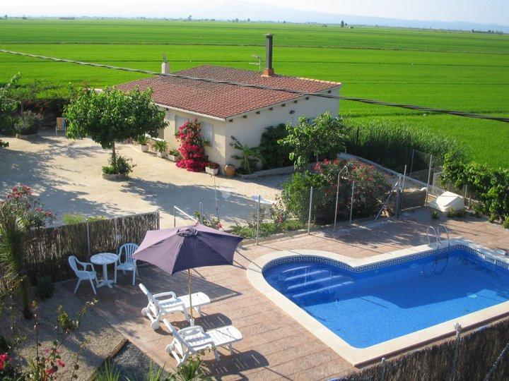 Fotos de caseta del chato tarragona deltebre clubrural for Casa rural tarragona