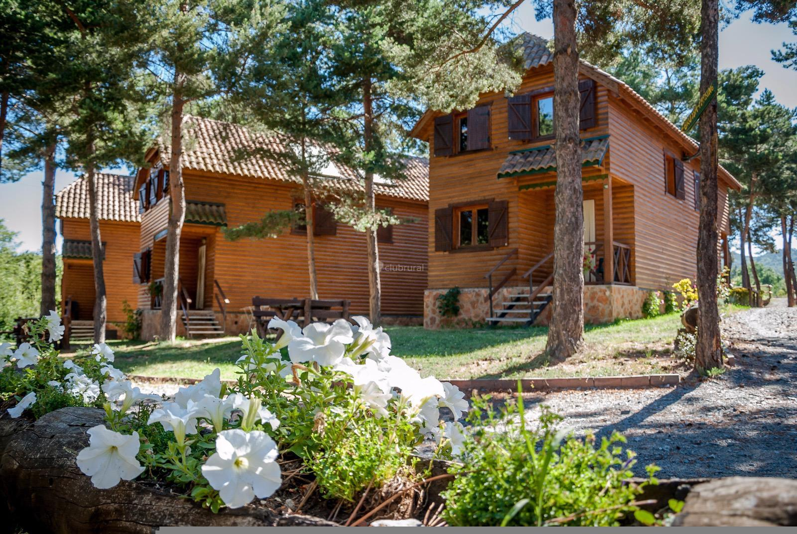 Fotos de xalet de prades tarragona prades clubrural for Casa rural tarragona