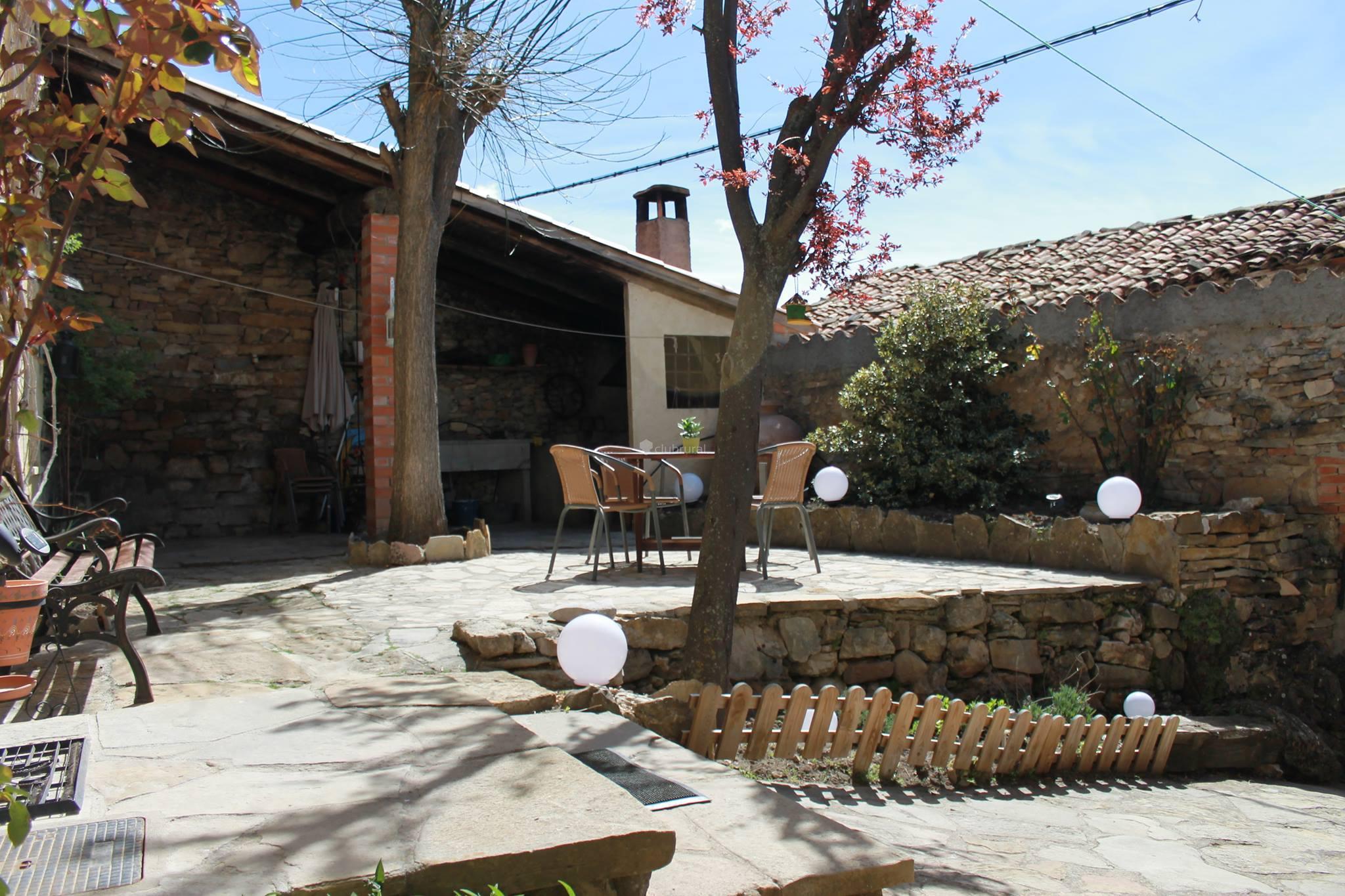Fotos de casa la acacia teruel frias de albarracin clubrural - Casa rural gea de albarracin ...