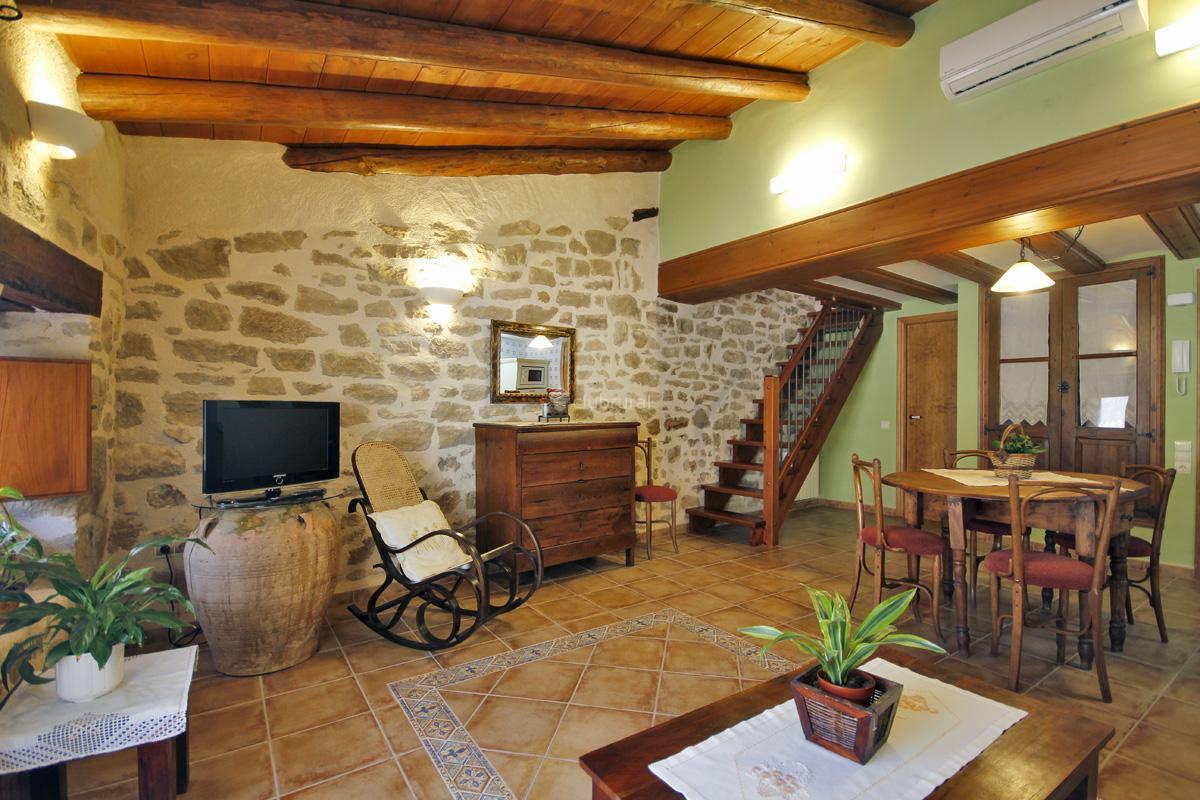 Fotos de santa agueda apartamentos teruel valderrobres - Casa rural con jacuzzi aragon ...