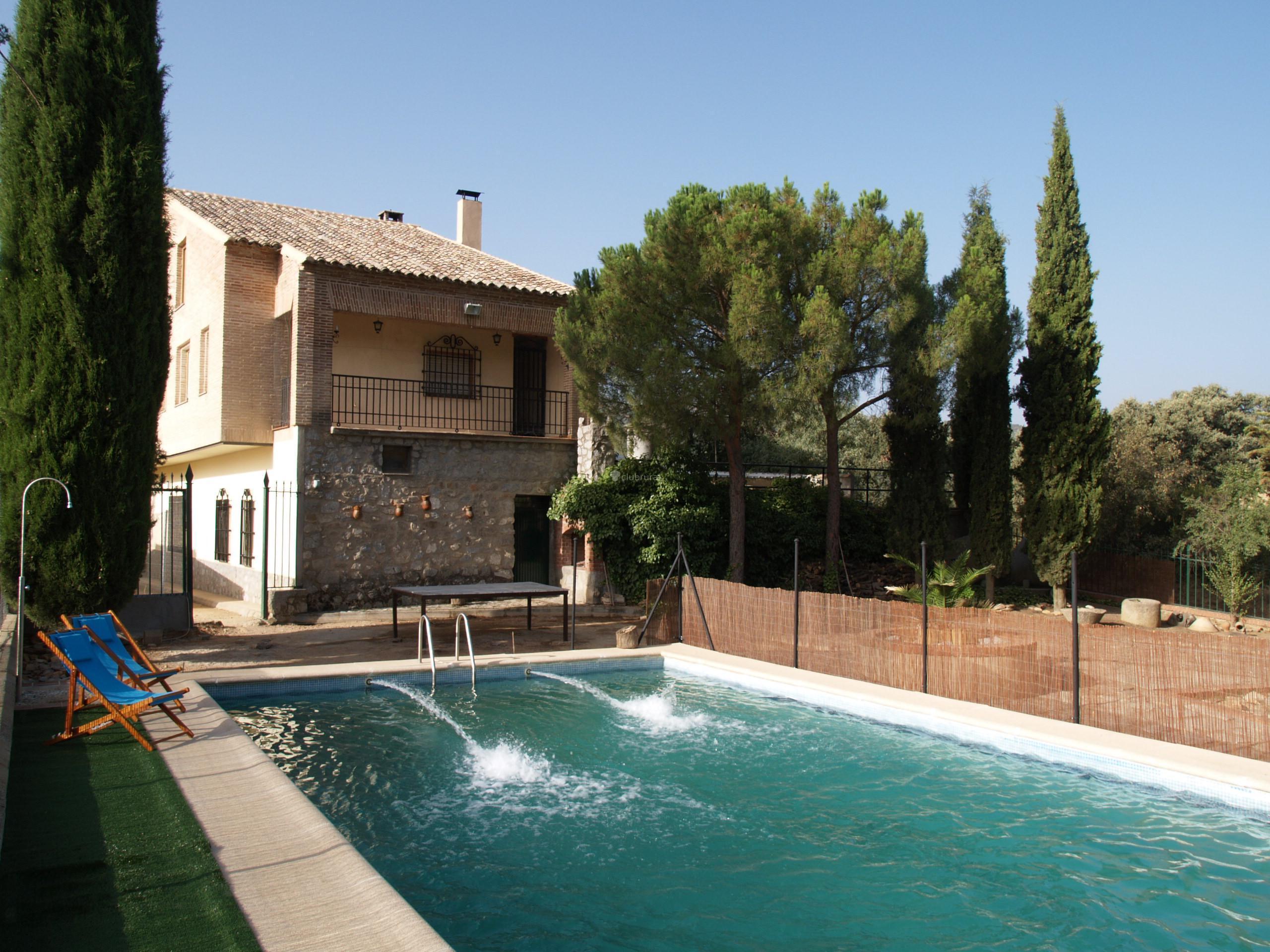 Fotos de virgen del rosario toledo madridejos clubrural - Casa rural toledo piscina ...