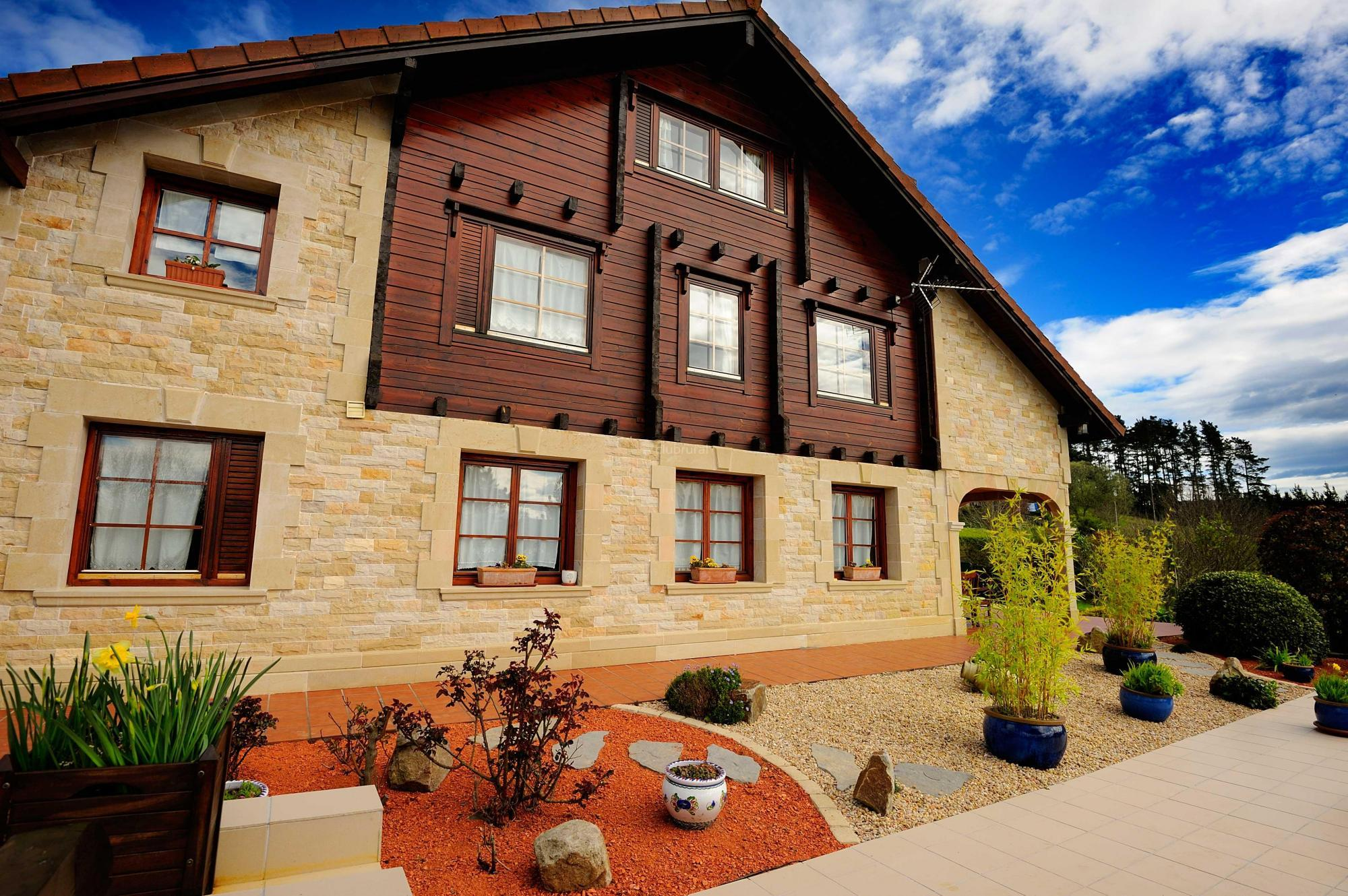 Fotos de la casa de madera vizcaya arrieta clubrural - Casa rural de madera ...