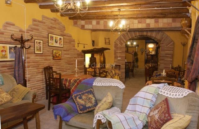 Fotos de casa rural las encantadas zaragoza sabi an - Casa rural colmenar de oreja ...